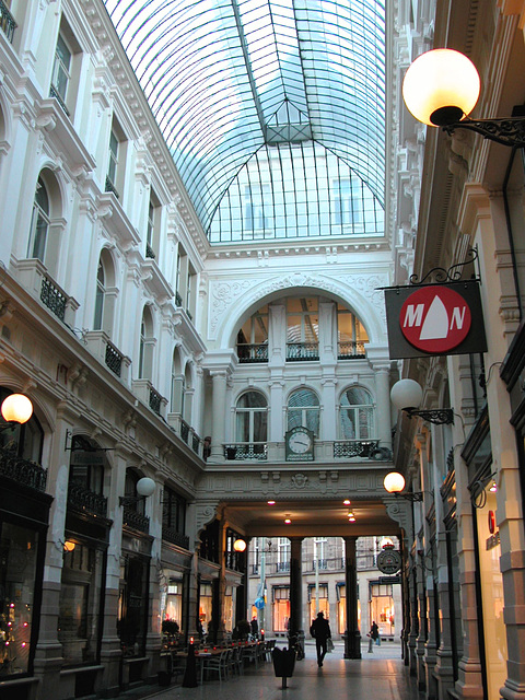 Passage in The Hague