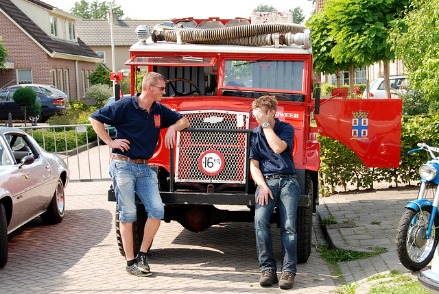 Oldtimer day at Ruinerwold: Chevrolet fire engine