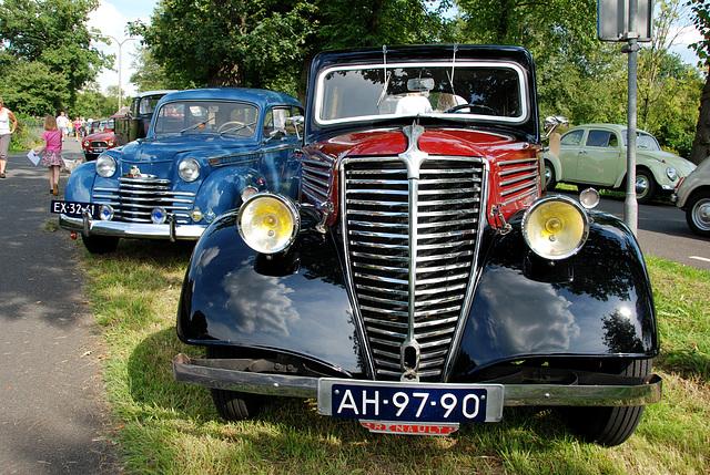 Oldtimer day at Ruinerwold: 1936 Renault Primaquatre Sport