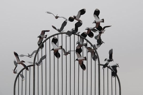 Gull sculpture
