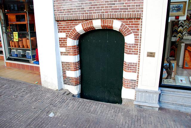 Low gate