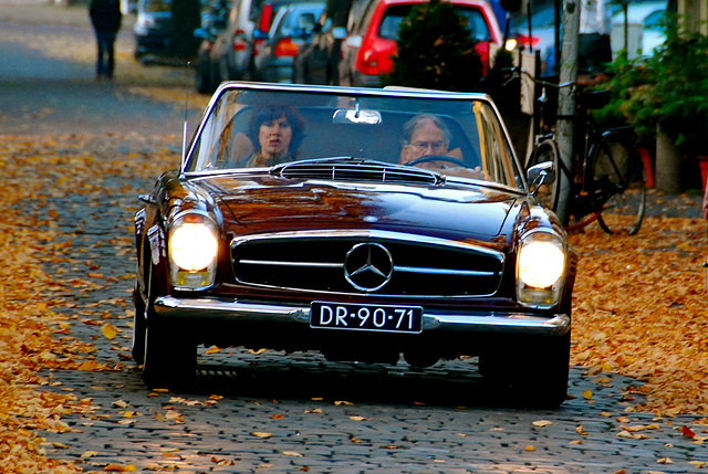 Different take on the 1967 Mercedes-Benz 250 SL in the autumn