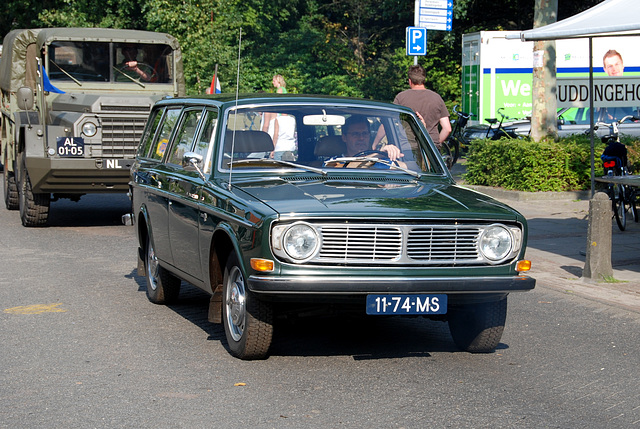Oldtimer day at Ruinerwold: 1970 Volvo 145