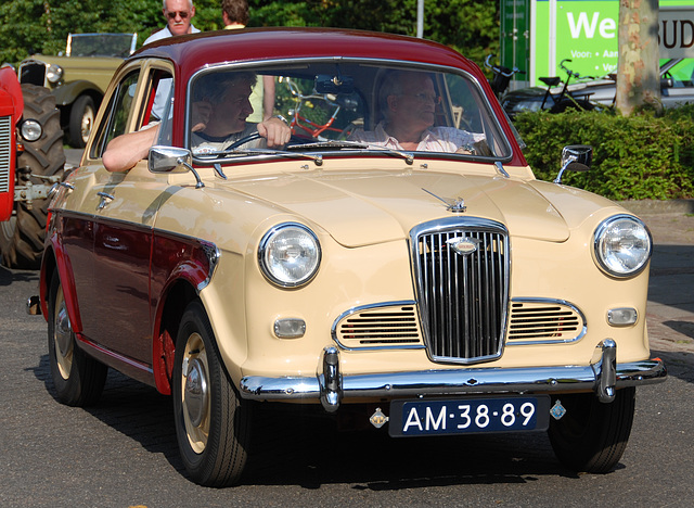 Oldtimer day at Ruinerwold: 1959 Wolseley 1500