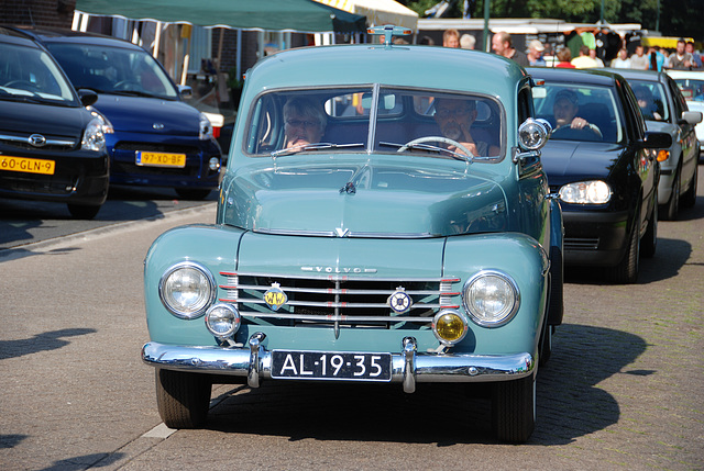 Oldtimer day at Ruinerwold: 1952 Volvo PV444 DS