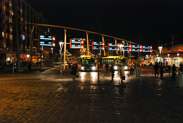 Leiden bus station at night