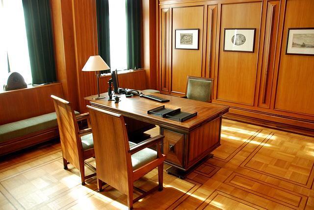 Leiden City Hall: the Mayor's room