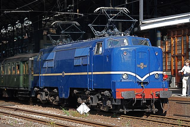 Celebration of the centenary of Haarlem Railway Station: Engine 1202