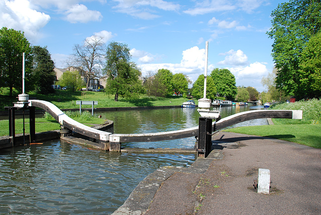 Another view of the lock in Cambridge