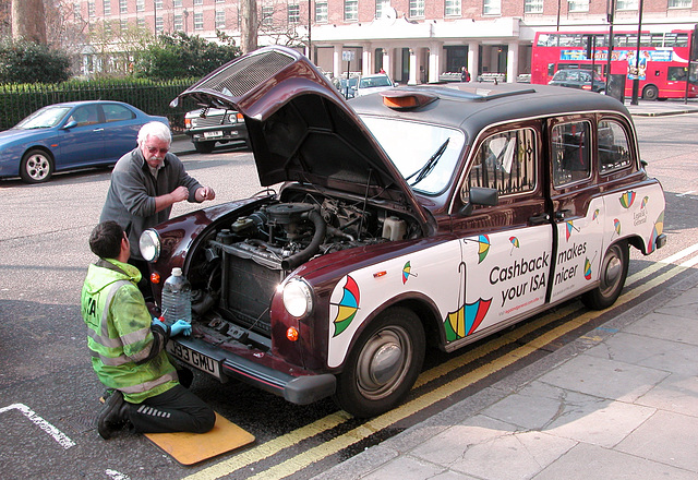London cabbie getting help from the AA
