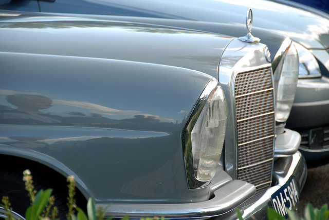 Mercedes meeting: 1965 Mercedes-Benz 220 S