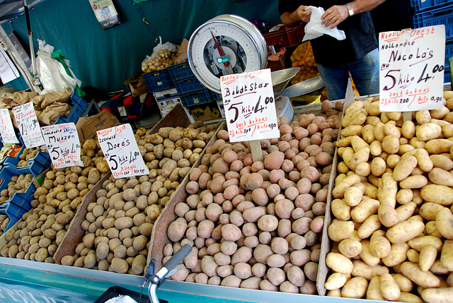 Market in Groningen – The all-important potato