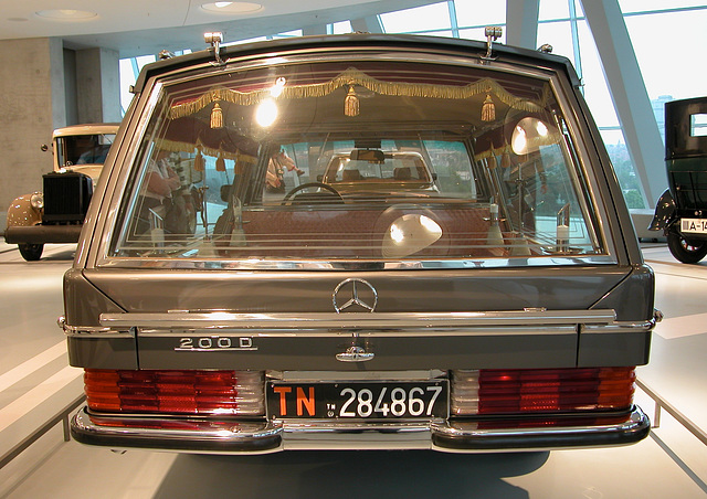 In the Mercedes-Museum: 200 D Hearse