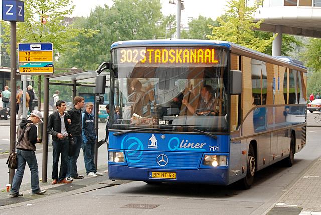Groningen Railway Station: 2004 Mercedes-Benz O550 Integro