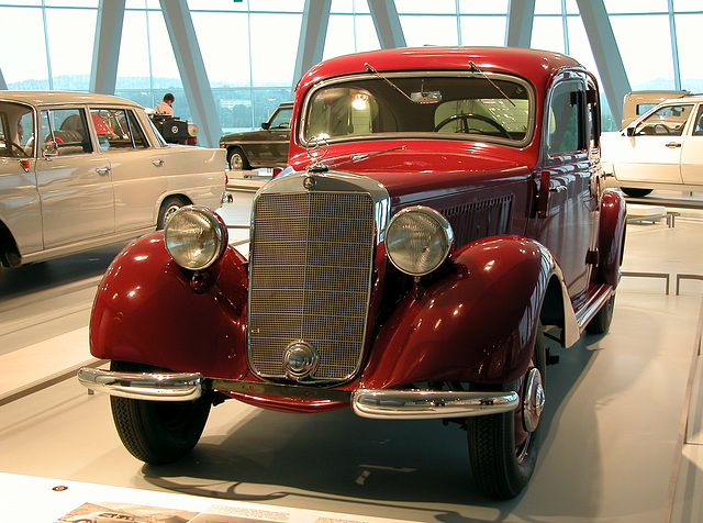 In the Mercedes-Museum: 170 D