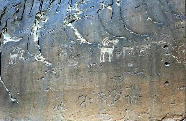 Pectoglyphs