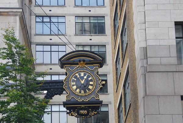 St Magnus the Martyr clock