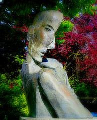 BORDEAUX - Jardin public (sculpture de Cocteau)