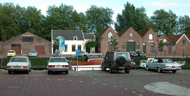 Special parking spaces for Mercedes-Benz in Den Briel