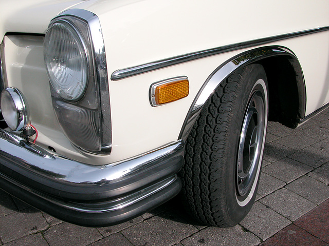 Oldtimer day in Emmen: 1969 Mercedes-Benz 250C (from the American side of the family)