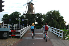 My bike ride home: crossing the moat and entering Leiden