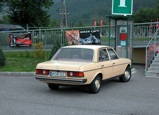 Holiday day one: Mercedes-Benz 230