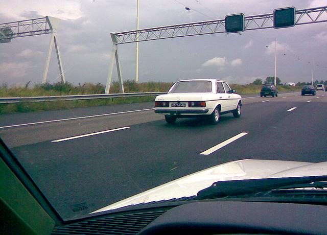 1977 Mercedes-Benz 200 D