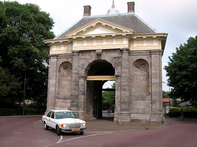 My Benz before the Enkhuizen city gate