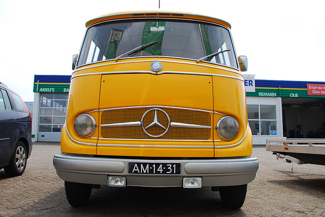 Industrie motorendag 2008: 1960 Mercedes-Benz 319