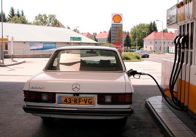 Holiday day 6: Last cheap fuel stop in Austria