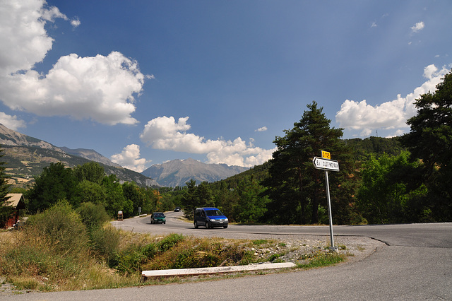 Holiday 2009 – On the corner of the D109 and D908 in France