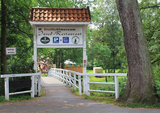 Brücke zum Insel-Freilichtmuseum