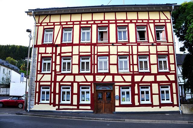 Nordschleife weekend – Fachwerk house in Adenau