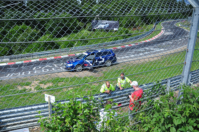 Nordschleife weekend – Photographers told to go behind the fence
