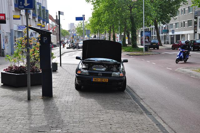 Broken-down 1995 Opel Astra Tailgate Sport X 1.6 XEL