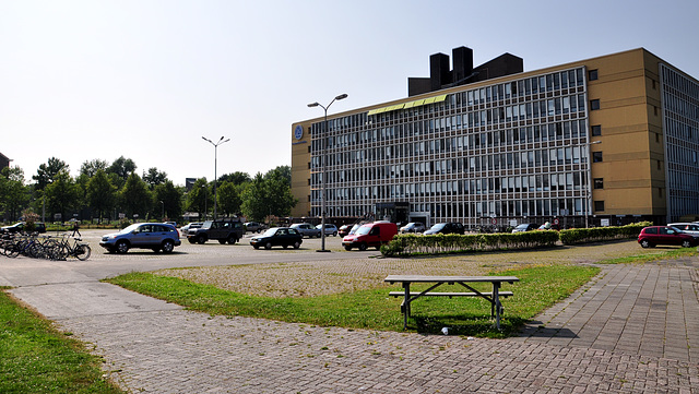 Last pics of the car park of the Faculty of Social and Behavioral Sciences