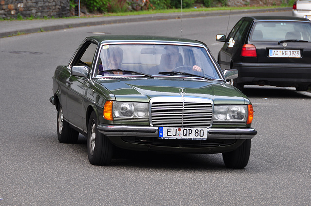 Nordschleife weekend – Mercedes-Benz W123 coupe