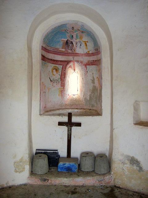 der Altar im Karner