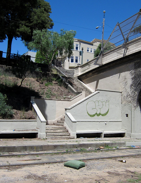 SF Castro: Dolores Park abandoned trolley stop 0309a