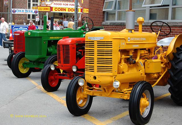 Mecum Tractors
