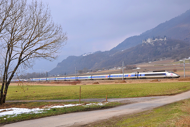 TGV des neiges au pied du château