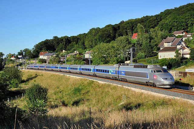 TGV sur le raccordement Ouest