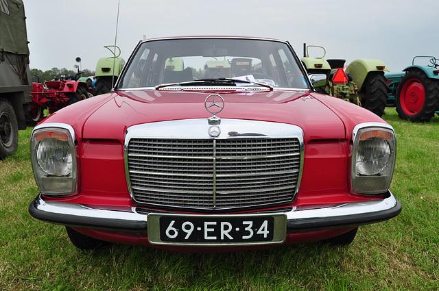 Oldtimershow Hoornsterzwaag – 1975 Mercedes-Benz 240 D