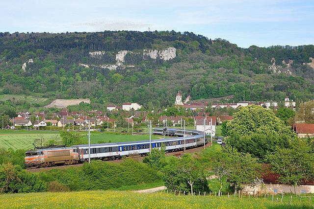 La 22348 et son pèlerin à Poligny