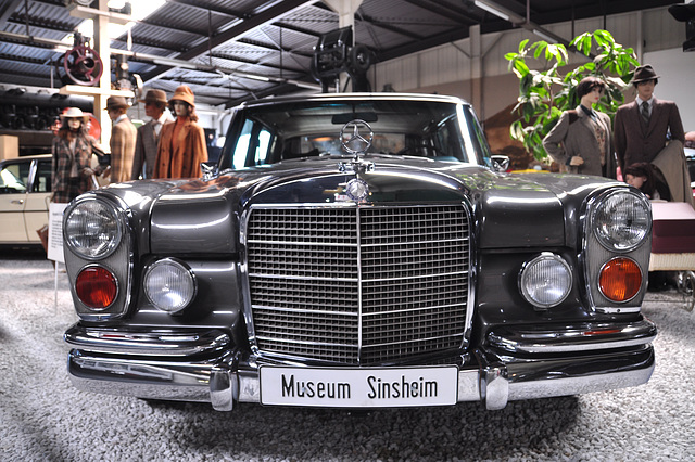 Holiday 2009 – Mercedes-Benz 600