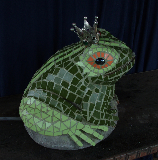 frog prince side