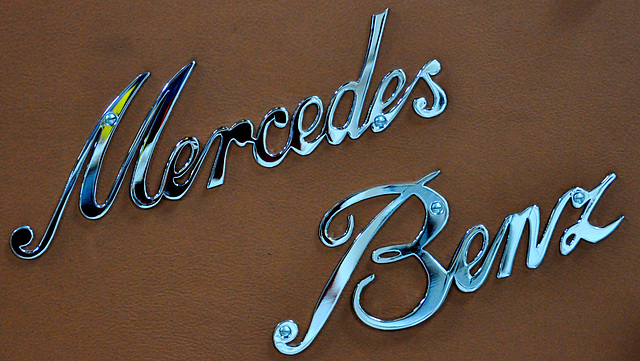 Holiday 2009 – Mercedes-Benz