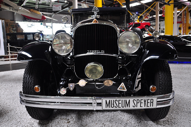 Holiday 2009 – 1930 Maybach Zeppelin DS7