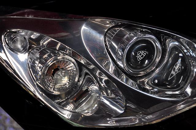 Holiday 2009 – Modern Maybach headlights