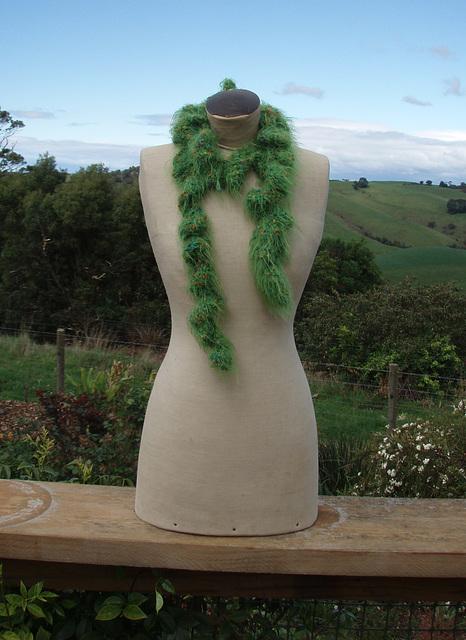 green ruffle scarf